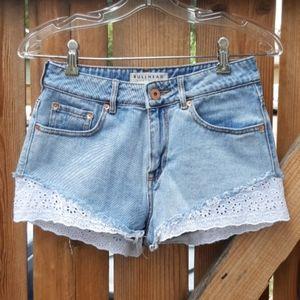 Bullhead high rise jean shorts lightwash sz 5